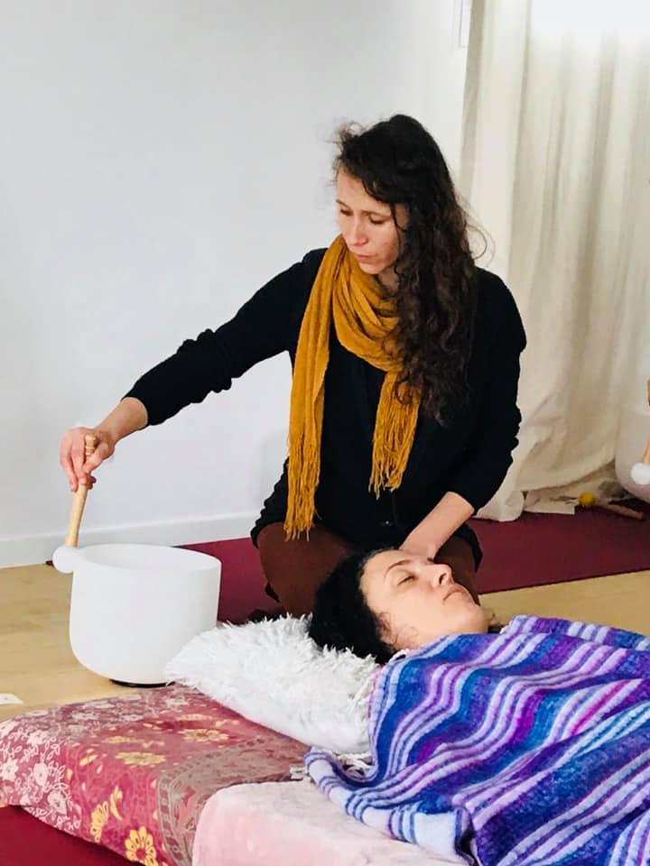 Formation de soins énergétiques et harmonisation avec Bols de Cristal et lithothérapie