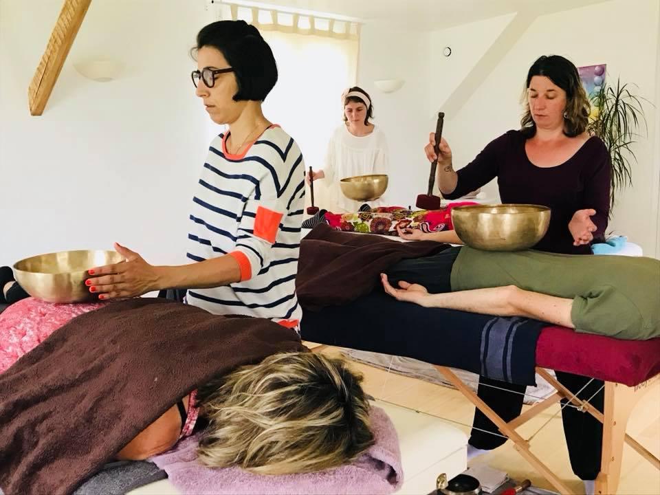 Formation au massage sonore aux bols chantants à l'Institut Padma