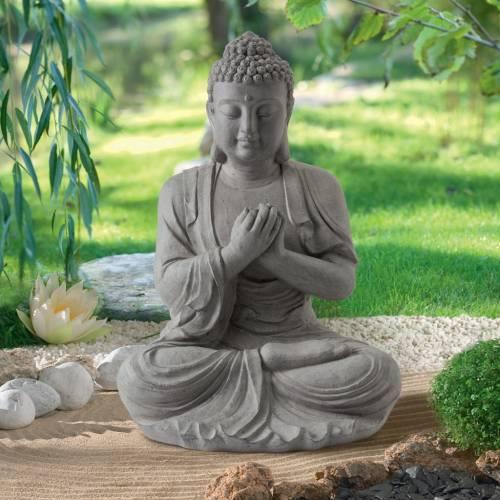Méditation dans une ambiance zen